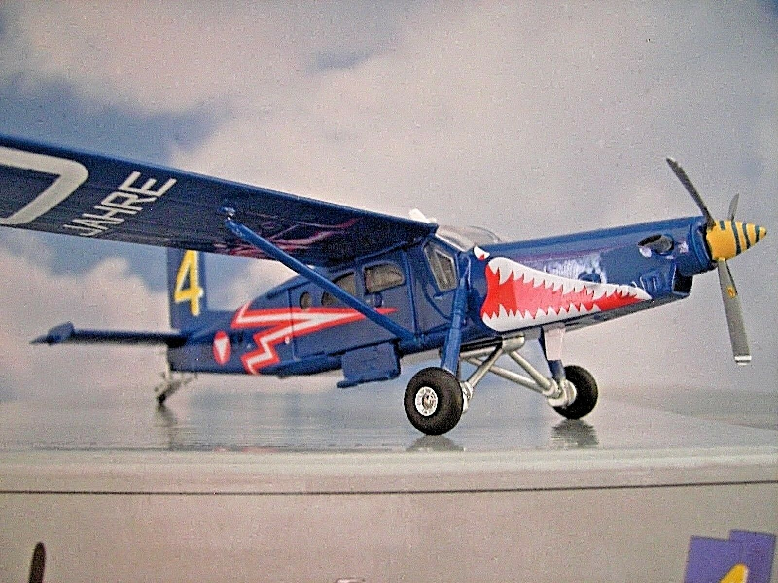 Herpa Wings 1:72 Pilatos pc-6 Turbo Porter Austrian Air Force 580274