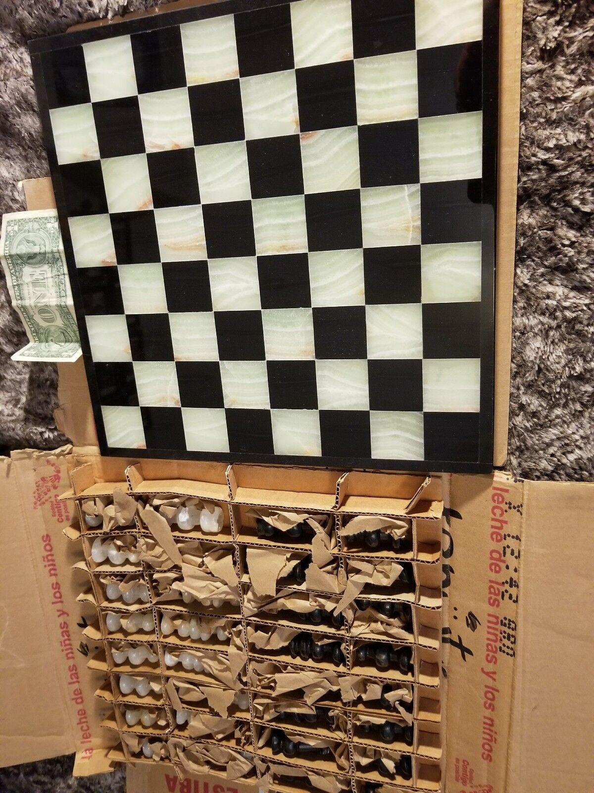 Juego de ajedrez de piedra