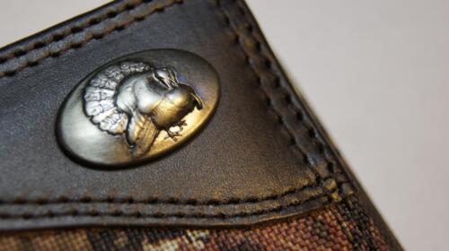ZEP PRO Turkey MOSSY OAK Camo Trifold Wallet TIN GIFT BOX
