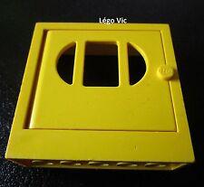 Lego Fabuland x610c03 Fabuland Door Frame 2x6x5 with Yellow Door