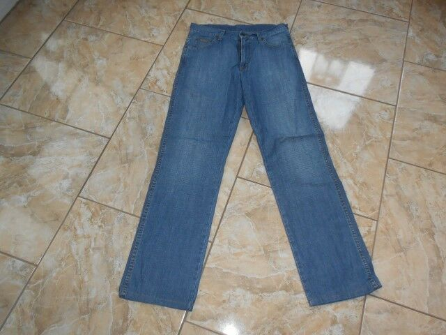 J2006 Wrangler Regular Fit Jeans W31 L32 Mittelblau Mittelblau Mittelblau Gut | Verrückter Preis, Birmingham  | Fein Verarbeitet  | Elegante und robuste Verpackung  | Die Königin Der Qualität  | Ausgezeichnet  0f4d57