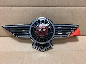 Harley-Davidson-Fuel-Tank-Emblem-FLSTN-Right-61366-95
