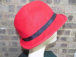 543781621d7 Image is loading Ladies-vintage-red-amp-black-felt-Trilby-Fedora-