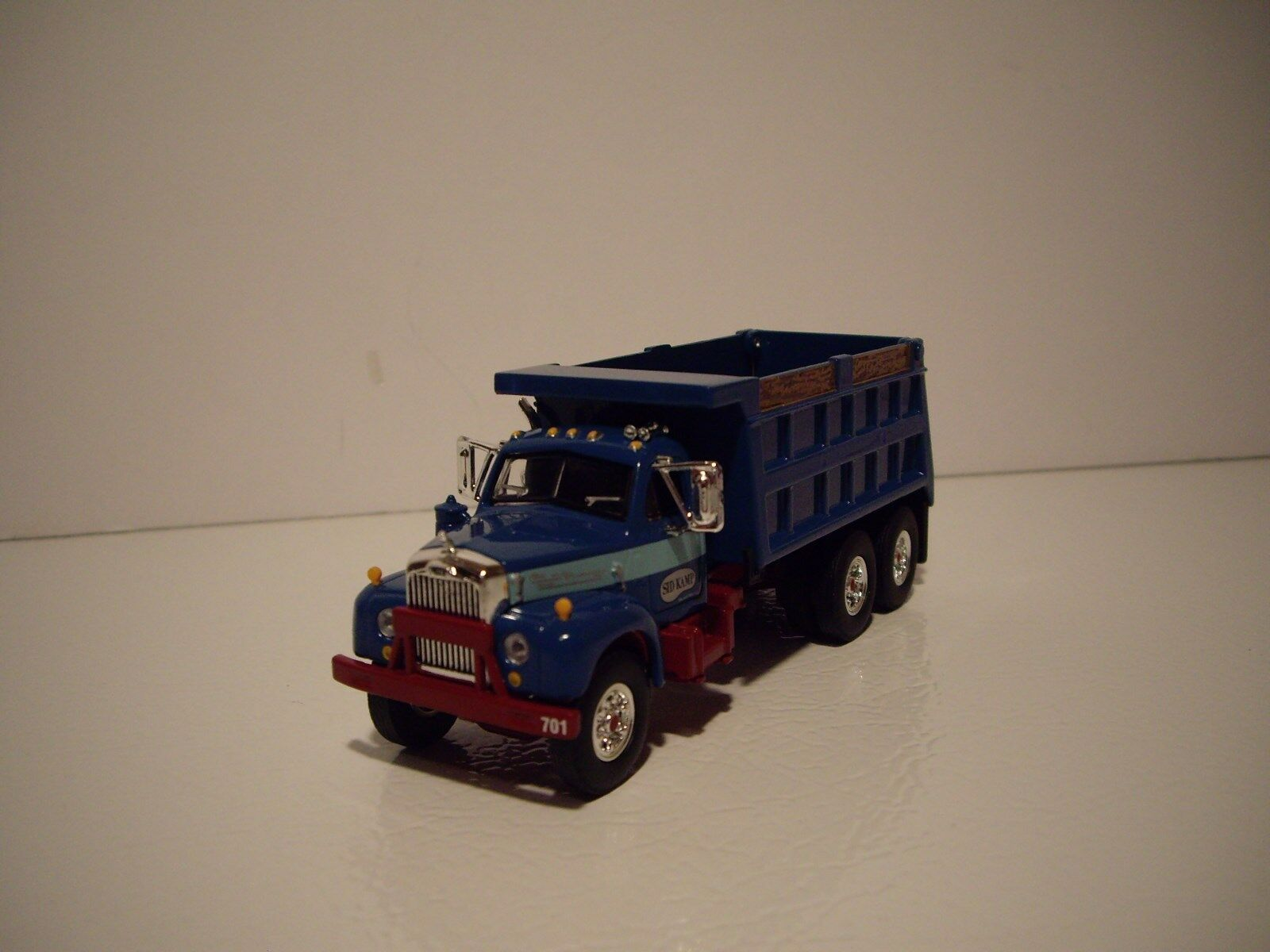 FIRST GEAR DCP 1 64 NEWLY TOOLED SID KAMP MACK B-61  DUMP TRUCK