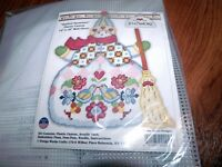 Jim Shore Quilted Snowman Plastic Canvas Kit 14 X 18 Design Works