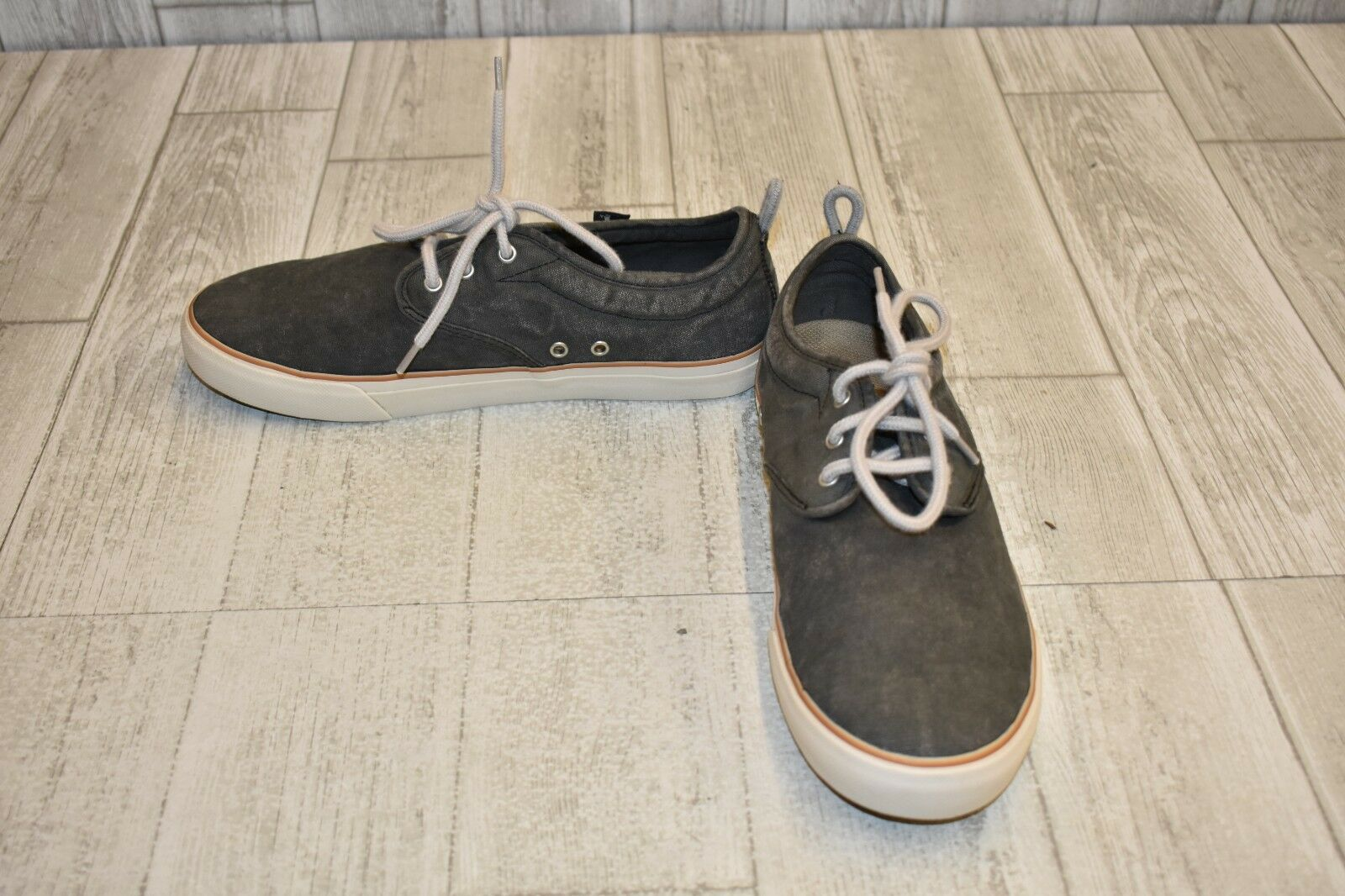 Sanuk Guide Sneakers-Women's size 9 Washed Black