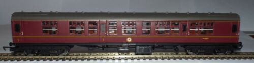 HORNBY R4133B MK1 COMPOSITE COACH BR MAROON