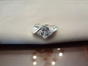 #-141--VINTAGE STERLING SILVER RING--925--SIZE-7--VERY NICE STONE--