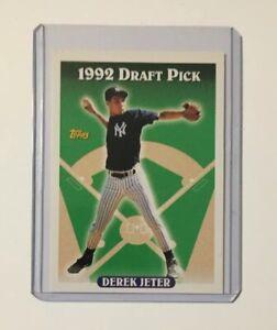1993-TOPPS-98-DEREK-JETER-ROOKIE-BASEBALL-CARD-YANKEES-PSA-10-Sharp-Card