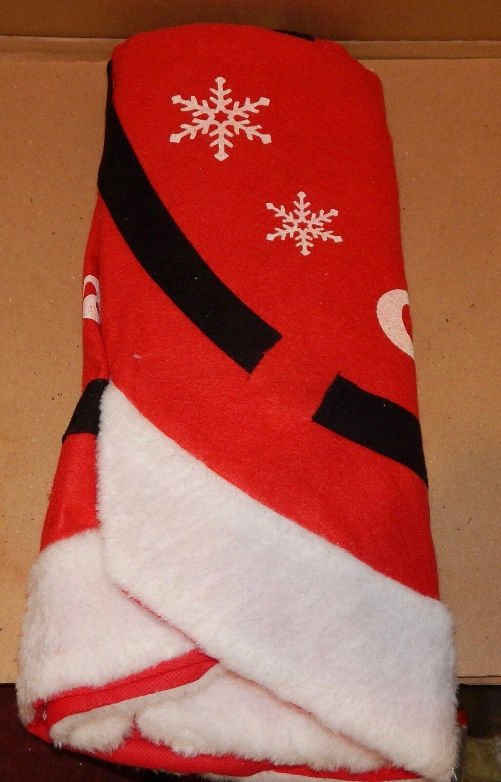 "Christmas Felt Tree Skirt 40/"" Circle Holiday Style Santa Belt Gold Buckle 150A"