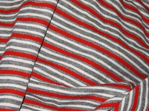 stoff molton baumwolle kratzer grau schwarz rot 50x150 cm jogging pullover etc ebay. Black Bedroom Furniture Sets. Home Design Ideas