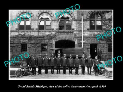 OLD LARGE HISTORIC PHOTO OF GRAND RAPIDS MICHIGAN, THE POLICE RIOT SQUAD c1910