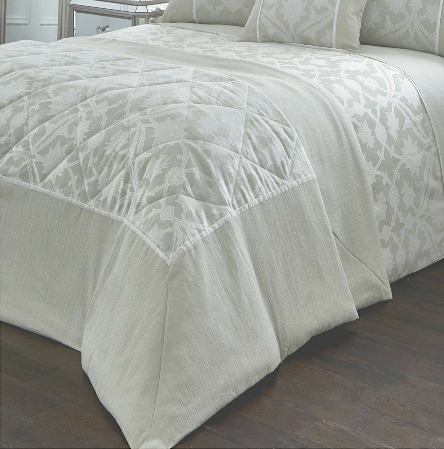 Traditional Jacquard  Luxury Woven Willow Mint Light Grün Bedspread Throwover