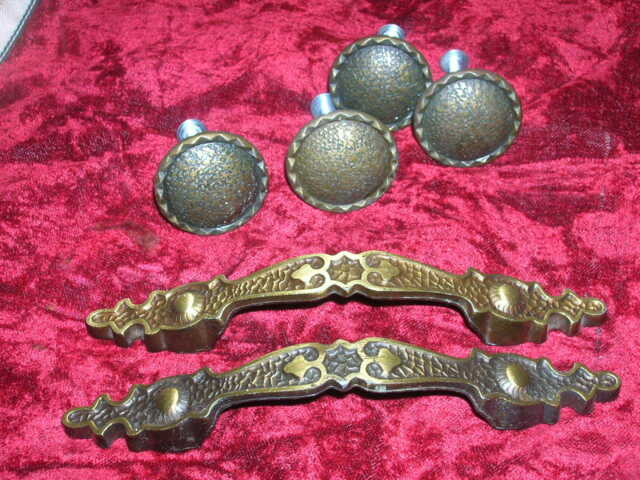 4 Drawer Knobs and 2 Handles Ornate Metal Textured Hardware DIY Projects