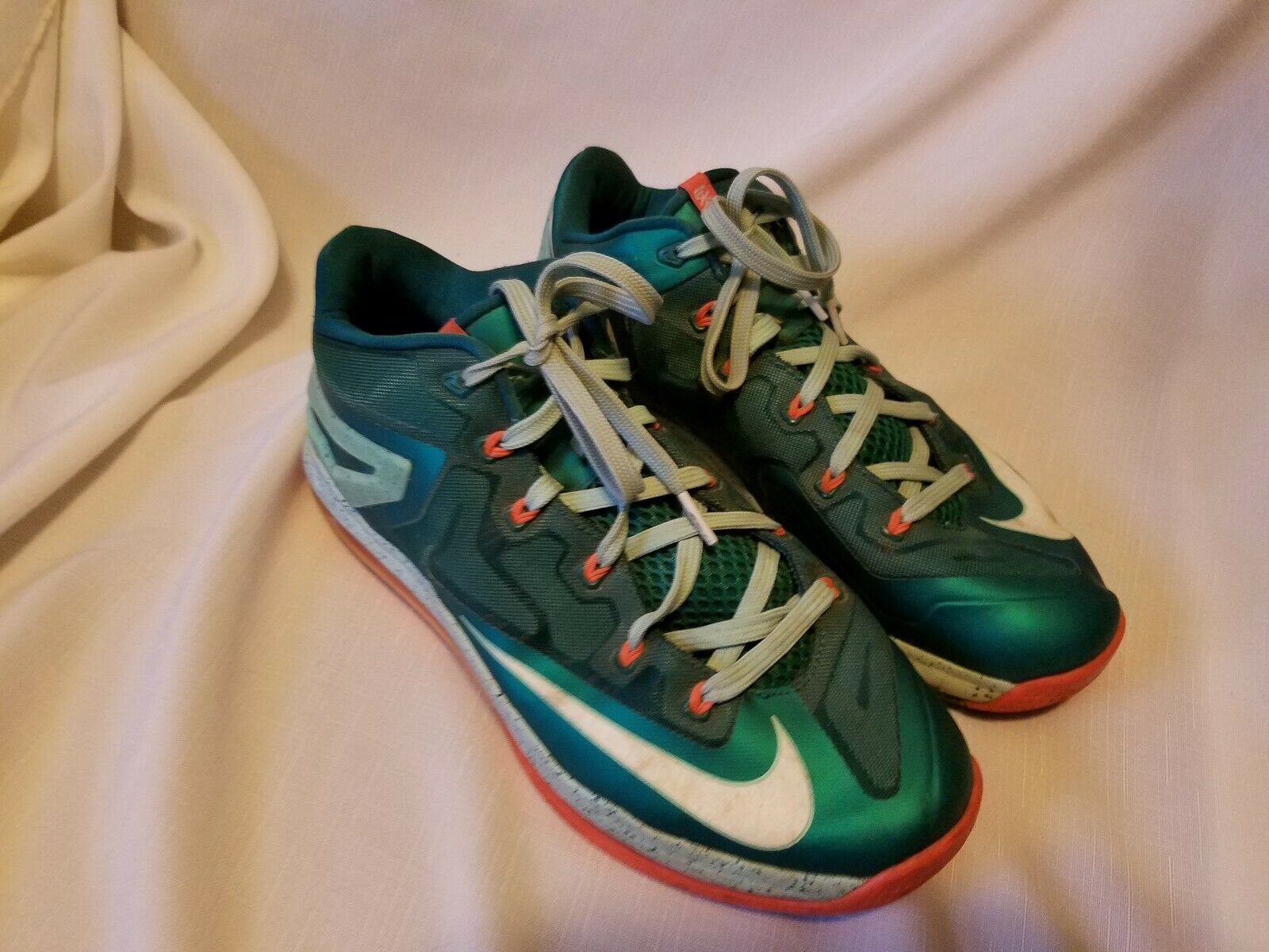 NIKE Air Max 360 LeBron XI 11 Low Mystic Green Basketball shoes Mens Size 10