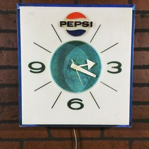 VINTAGE-PEPSI-WALL-CLOCK-SQUARe-60s-70s-Tested-Works