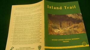 Travel-brochure-Island-Trail-Walnut-canyon-Arizona-USA-National-park-E287