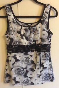 ae764fe3d5aa5c Women s Maurice s Gray Floral Sleeveless Lace Tank Top Size M