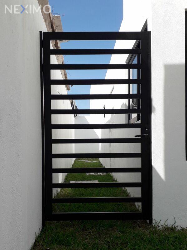 CASA EN VENTA CON ROOF GARDEN FRACCIONAMIENTO LA RIOJA