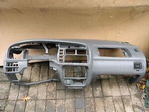 Suzuki-Grand-Vitara-FT-039-04-Armaturenbrett-Verkleidung-Innenraum