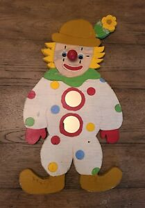 Vintage-1960-039-s-HAPPY-CLOWN-HAND-MADE-Painted-Wood-Wall-Art-Decor-One-Of-A-Kind