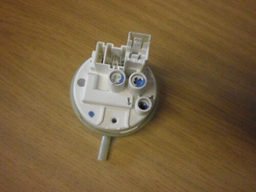 RICAMBIO WHIRLPOOL AWE 5105 lattina di pressione 505ik301 guardiano pressione 4619 714 2336 1