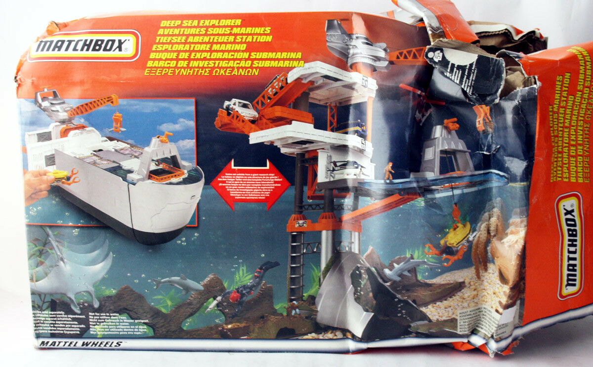 RARE 1999 MATCHBOX DEEP SEA EXPLORER HUGE PLAYSET MATTEL WHEELS NEW DAMAGED BOX