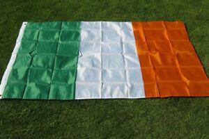 Large Ireland Flag - 5ft x 3ft