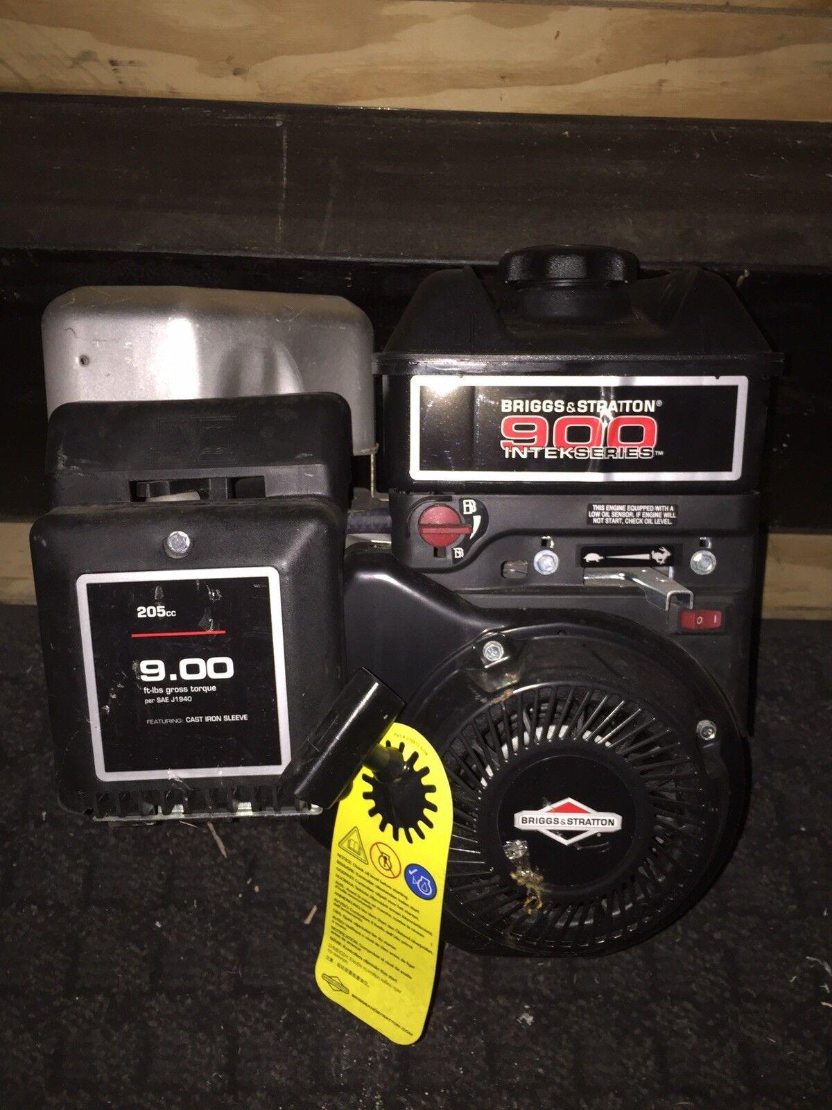 Briggs and Stratton 900 Series Motor