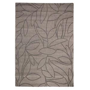 Large-Natural-Look-Flatweave-Leafy-design-Rug-Beige-and-Black-160x230cm