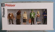 Preiser 65369, Spur 0  1:43,5 / 1:45, An der Bahnsteigsperre / At the Ticketgate