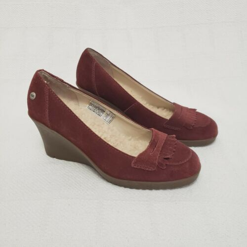 UGG Reese Burgundy Suede Rubber Wedge Shoe Size 8