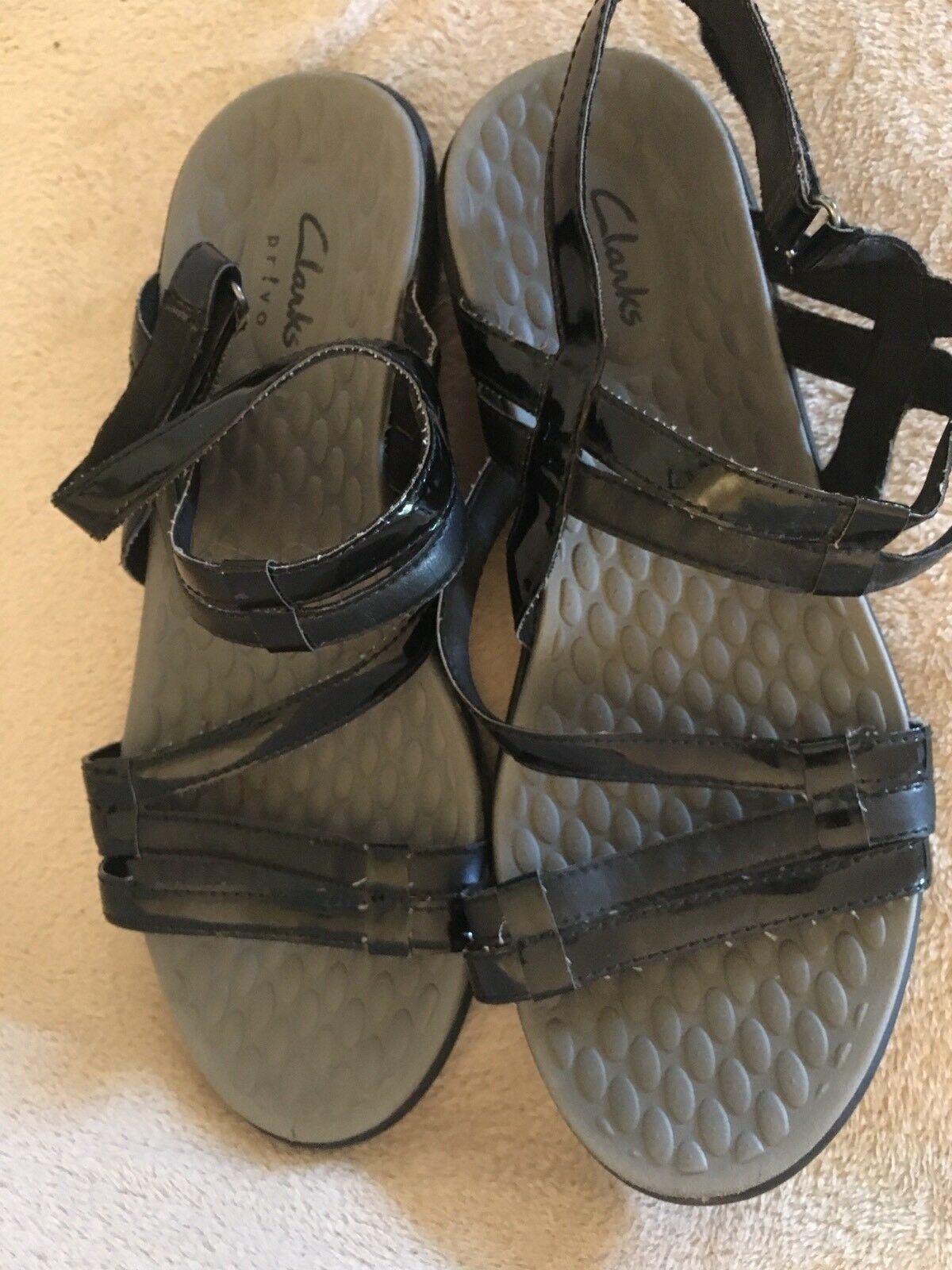 Man/Woman CLARKS PATENT so LEATHER SANDALS, 9 Not so PATENT expensive Brand Seasonal hot sale 7f16a7