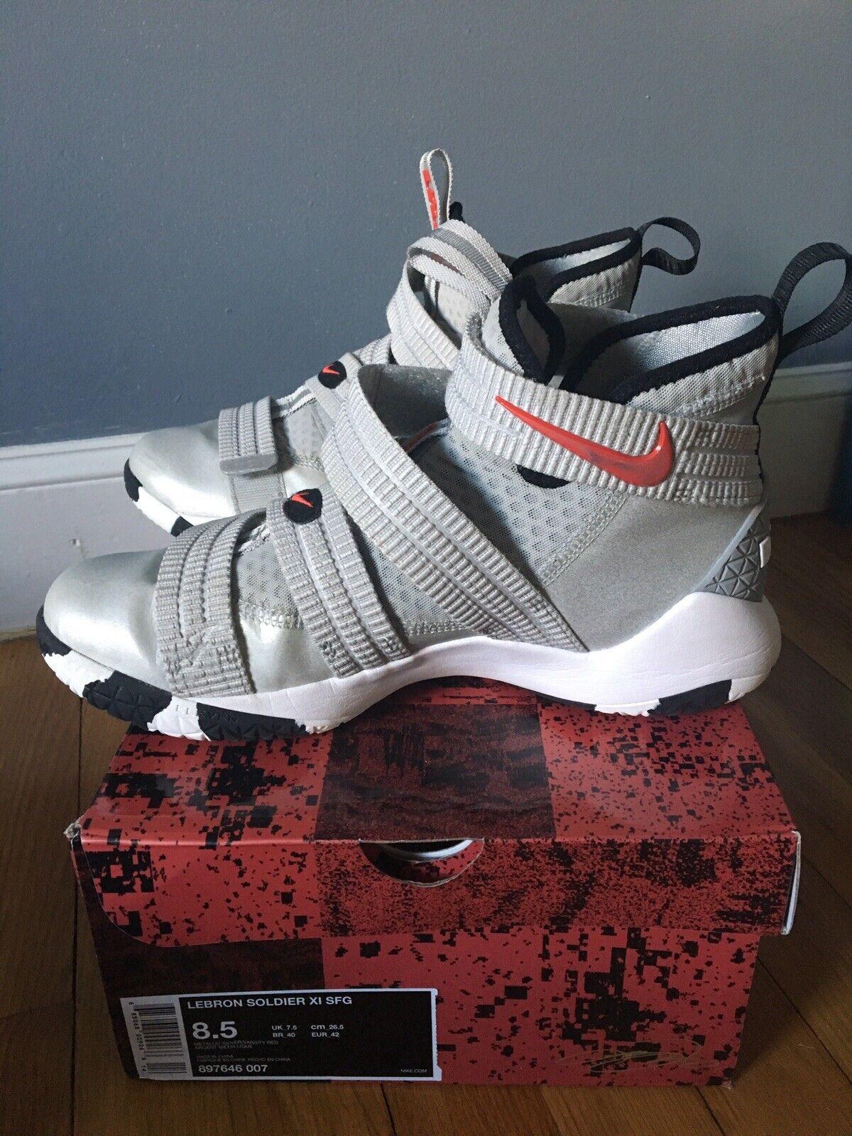 Nike LeBron Soldier X1 Men's Basketball shoes - Grey Size 8 1 2