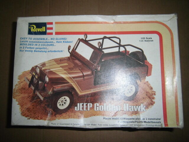 Revell JEEP oroen Hawk 1 25 USA Model Car  New