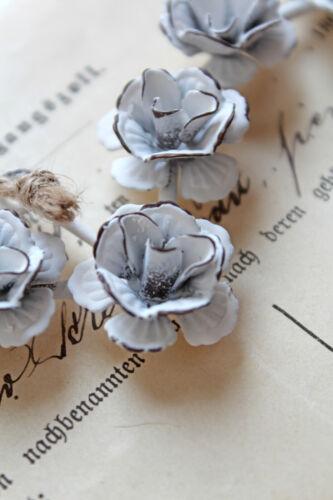 Blütenherz 18cm Metall Blüten Rosen weiß Türkranz Shabby Chic Vintage Hochzeit