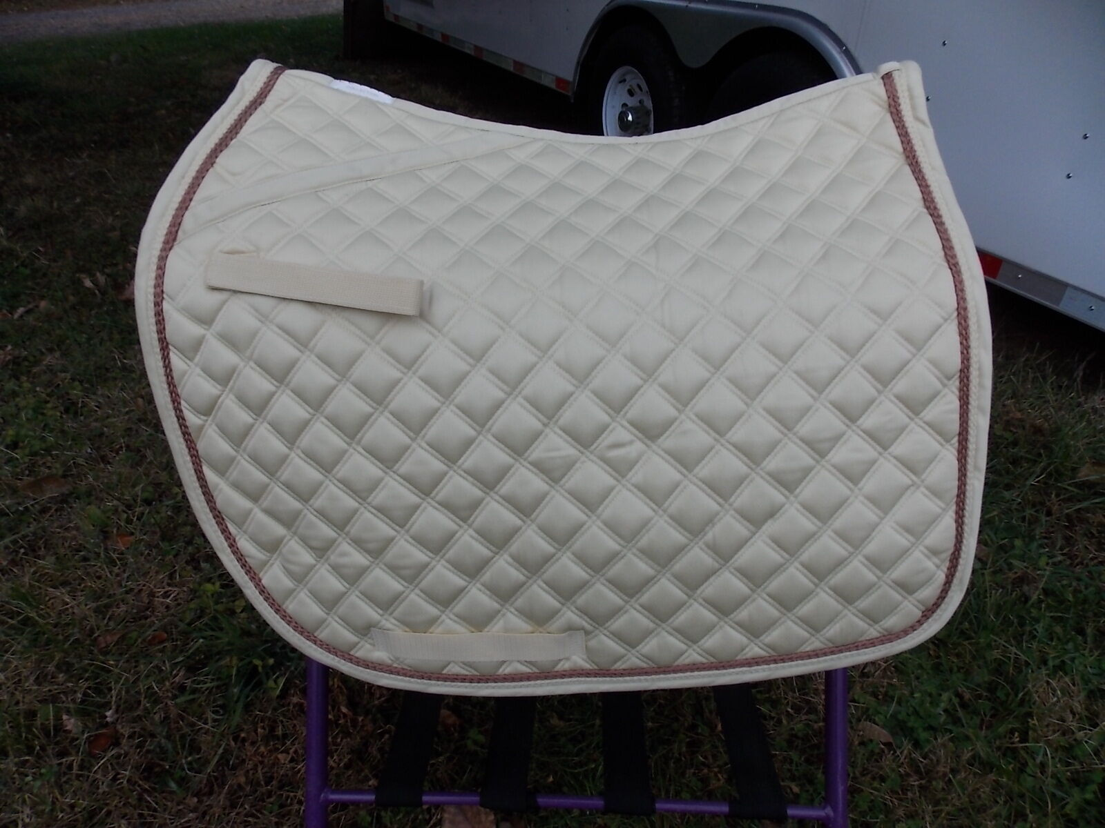 LETTIA  ENGLISH ALL PURPOSE SADDLE PAD  HORSE IVORY IVORY AND CAMEL PIPING  good price