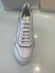 RUSSELL AND BROMLEY WHITE TRAINER SIZE