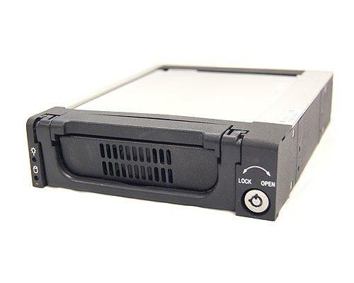"""3.5 /"""" Serial ATA Aluminum Drive Case Bytecc BT-135E-BK Mobile Rack"""