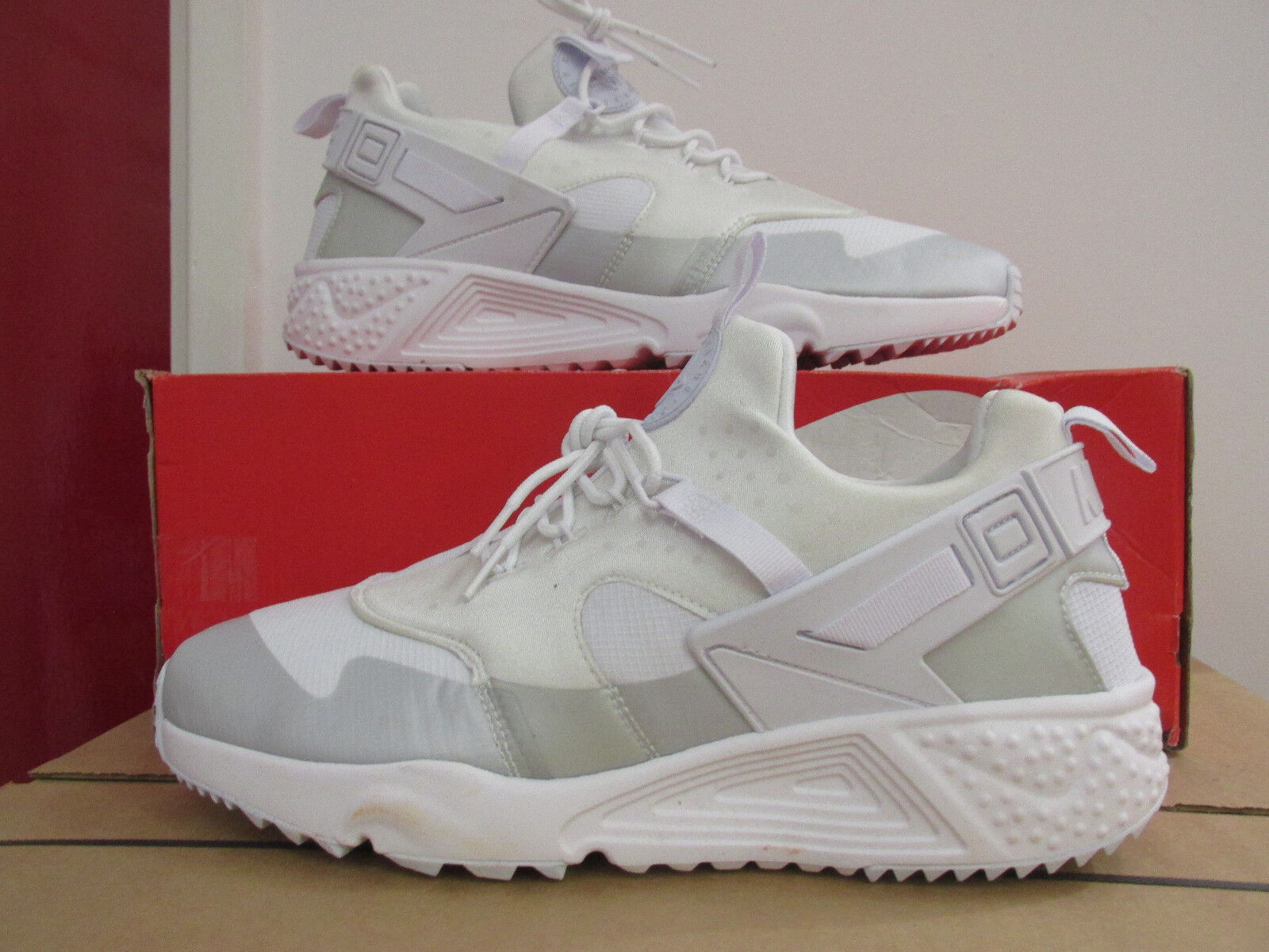 nike air 100 huarache utility mens trainers 806807 100 air sneakers shoes CLEARANCE cd28f0