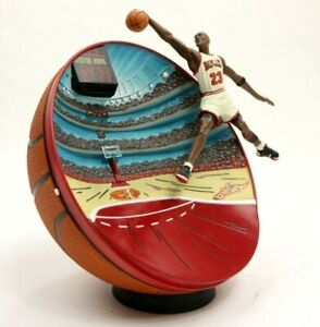 Vintage-90s-Upper-Deck-Michael-Jordan-Breaking-the-Records-3D-Limited-Edition