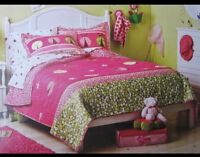 New Circo Full/Queen Quilt And Sham Set Lady Bug Collection