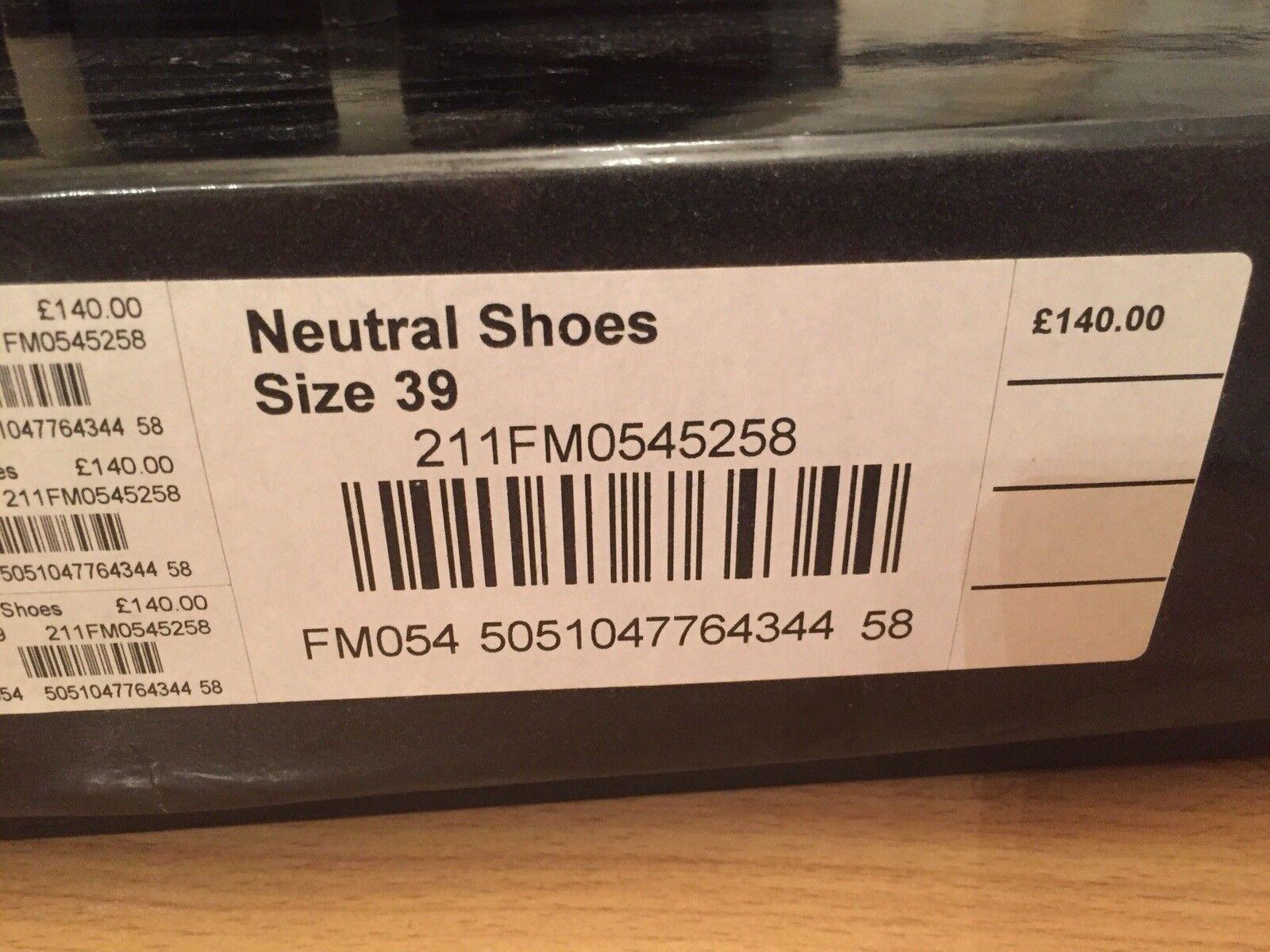Karen Millen Millen Millen Schuhes 39 nude a47adb