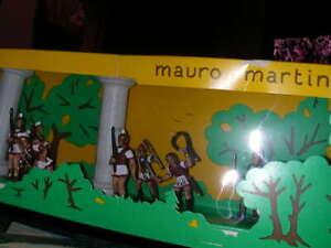SCATOLA-MAURO-MARTINI-CON-SOLDATINI-DIPINTI-ED-INSERITI-ROMANI-BIANCHI