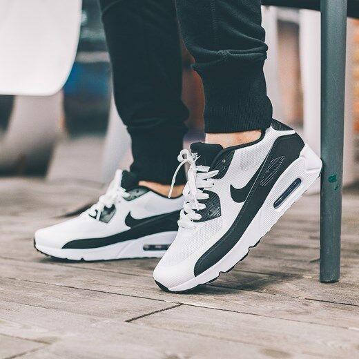 Nike Air Max 90 Ultra 2.0 Essential 875695 100 Mens Sz 10 WhiteBlackWhite