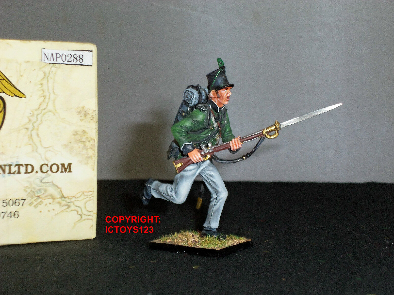 FIRST LEGION NAP0288 BRITISH 95TH RIFLES CHARGING METAL TOY SOLDIER FIGURE