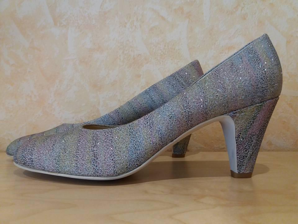 Los últimos zapatos de descuento para hombres y mujeres Leonie femenina pumps nuevo Multicolour colores de arco iris de cuero brillante