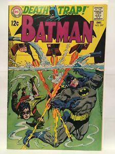 Batman-207-VF-7-5-1st-Print-DC-Comics