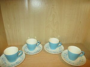 Set-of-4-Vintage-Royal-China-Blue-Heaven-Coffee-Cups-amp-Saucers-Atomic