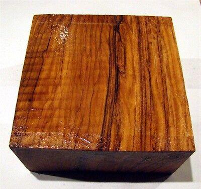 Olive 10x10x2,8-3,5cm, Drechselholz, Olivenholz, Schnitzholz J132